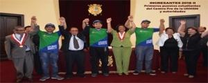 ESTUDIANTES DEL CENTRO PRE - PRIMEROS PUESTOS ADMISION  2016-II